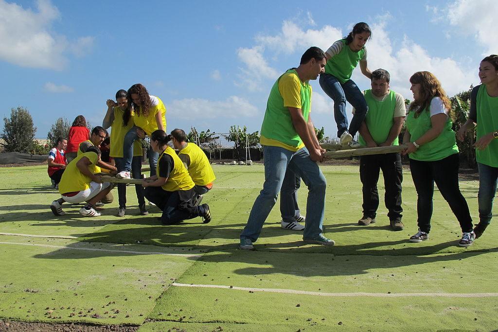 1024px-team_building_lanzarote